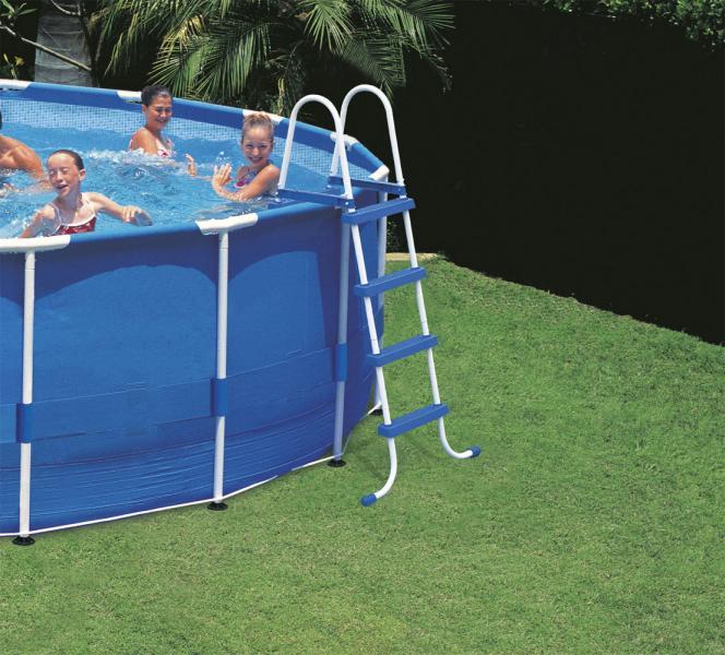 Piscinas intex tubulares intex for Material piscina barato